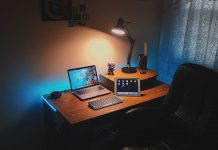 Tip-for-Keeping-Focus-On-Job-While-Working-at-Home-on-toplineblog