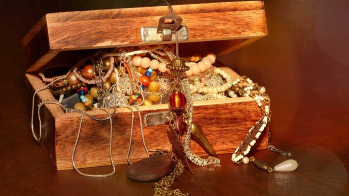 Tips-to-Protect-Your-Jewelry-from-The-Major-Culprits-on-toplineblog