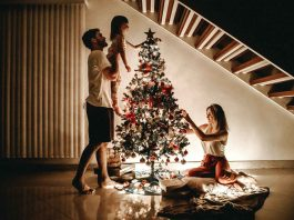 Best-Storage-Tips-For-Holiday-Decoration-on-TopLineBlog